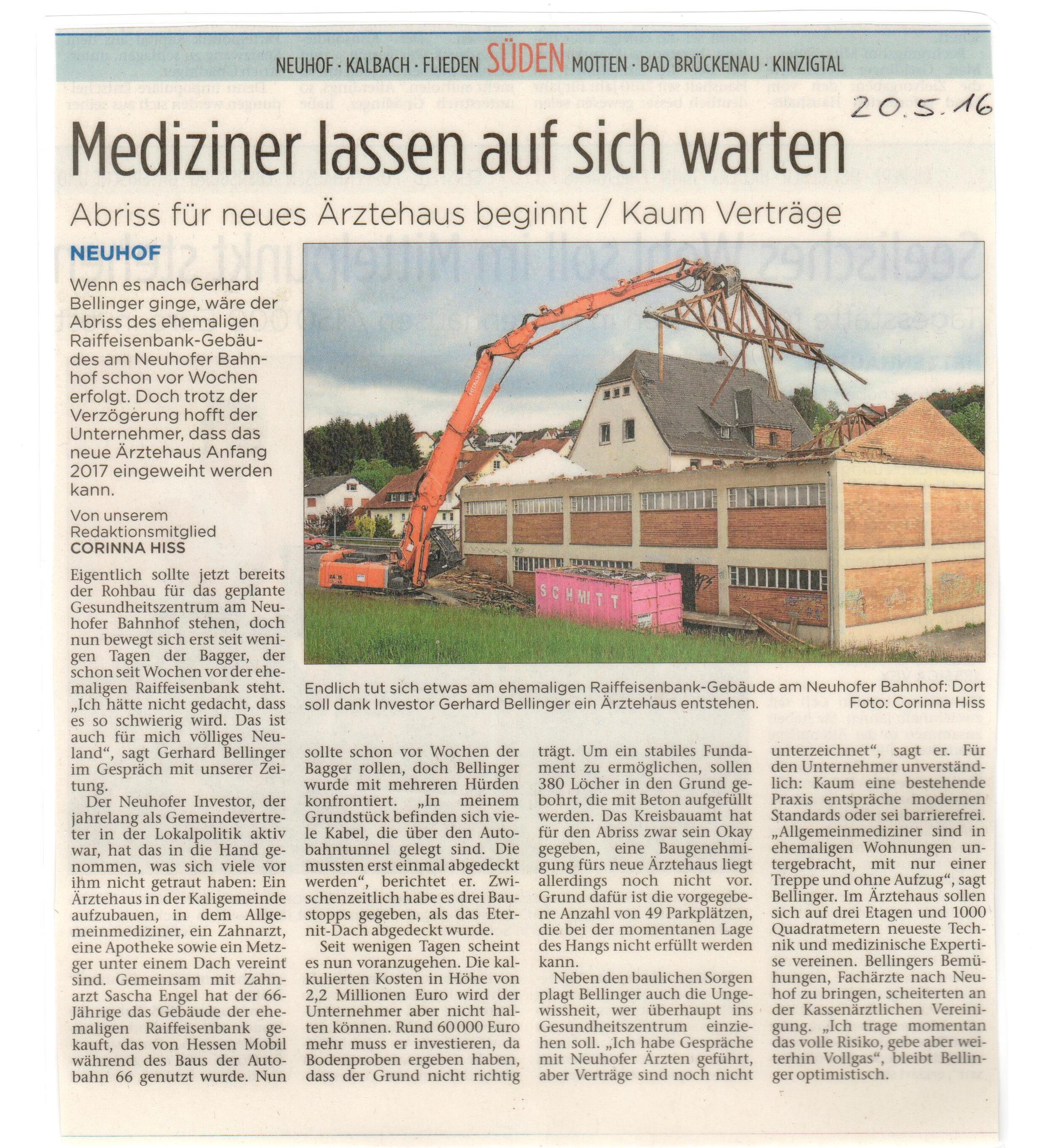 Abbruch des ehemaligen Raiffeisenbank-Gebäudes in Neuhof