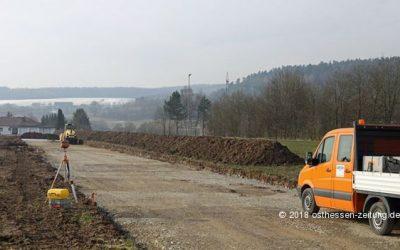 """Arbeiten im Baugebiet """"Lange Äcker"""" in Löschenrod haben begonnen"""