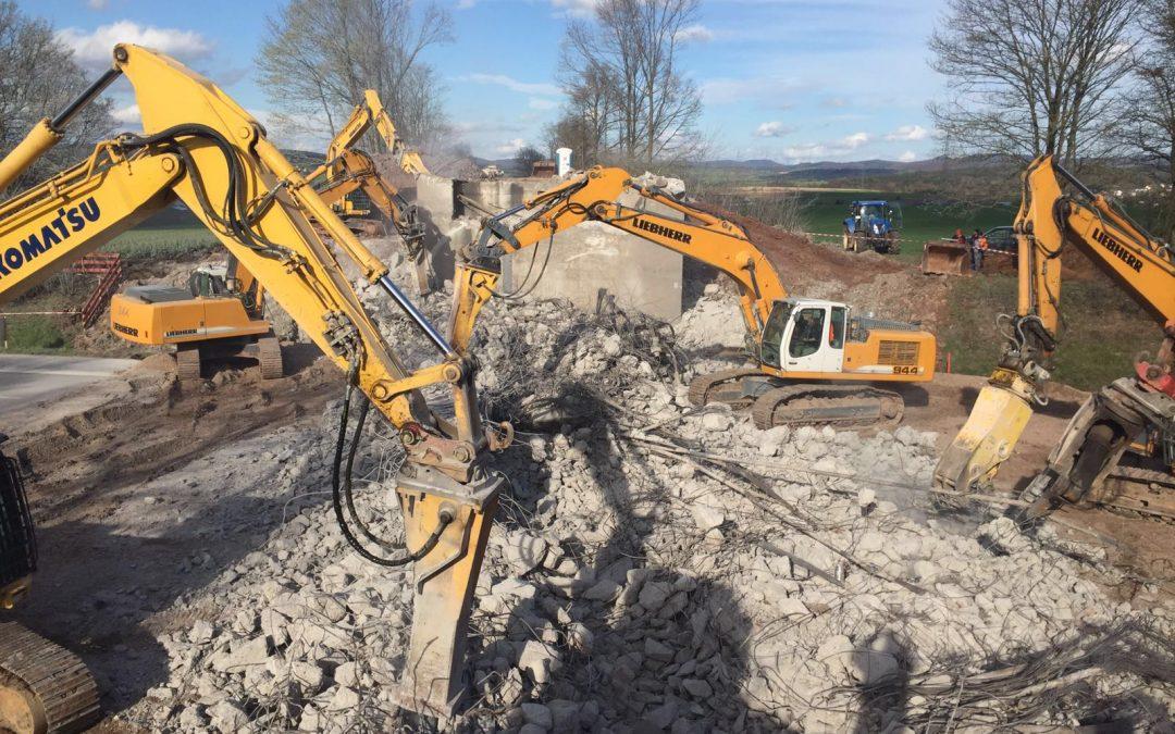 Brücke über die A7 bei Fulda wird abgerissen